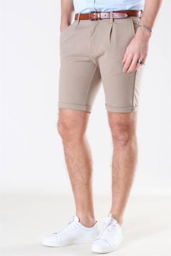 Pleated Shorts Sand Mix